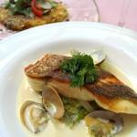 2016年4月 地中海料理「クラセ・メディテラネア」メニュー『鯛のポワレ 春野菜とアサリのソース』